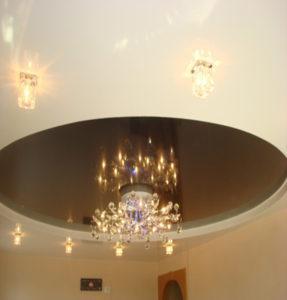 Цветные потолки дизайн решения
