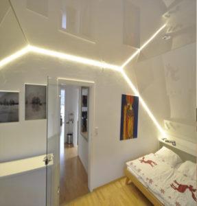 Цветные потолки подсветка