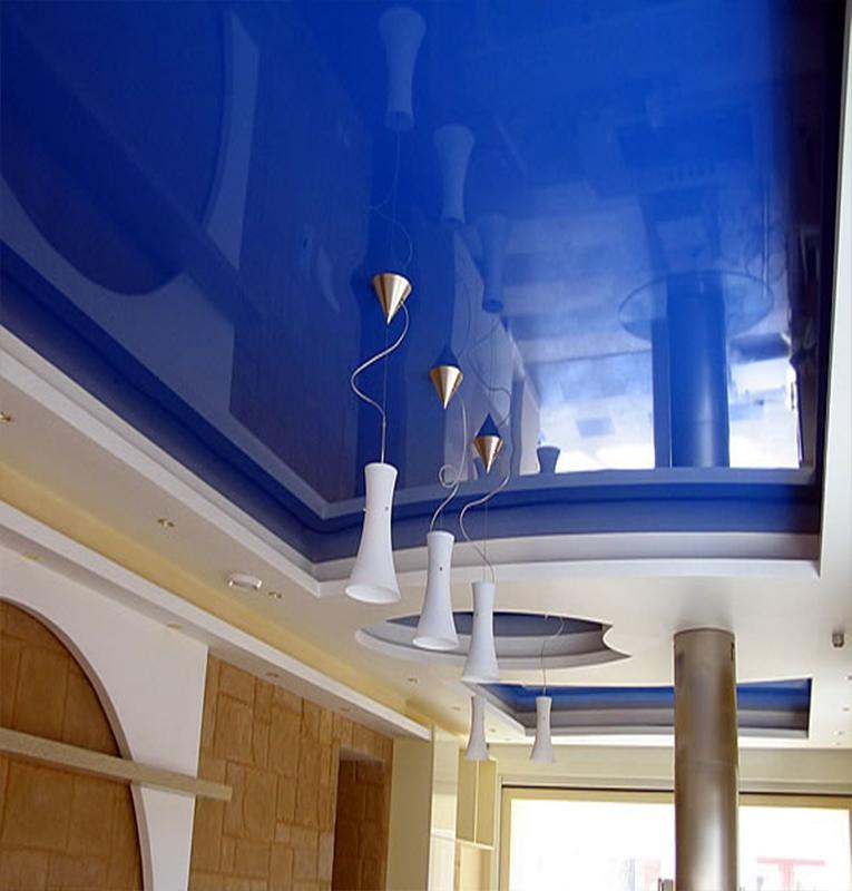 Двухуровневые потолки синие