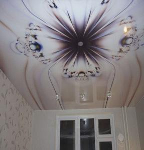 фотопечать хрусталь на потолке