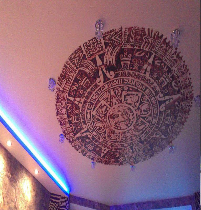 фотопечать символы на потолке