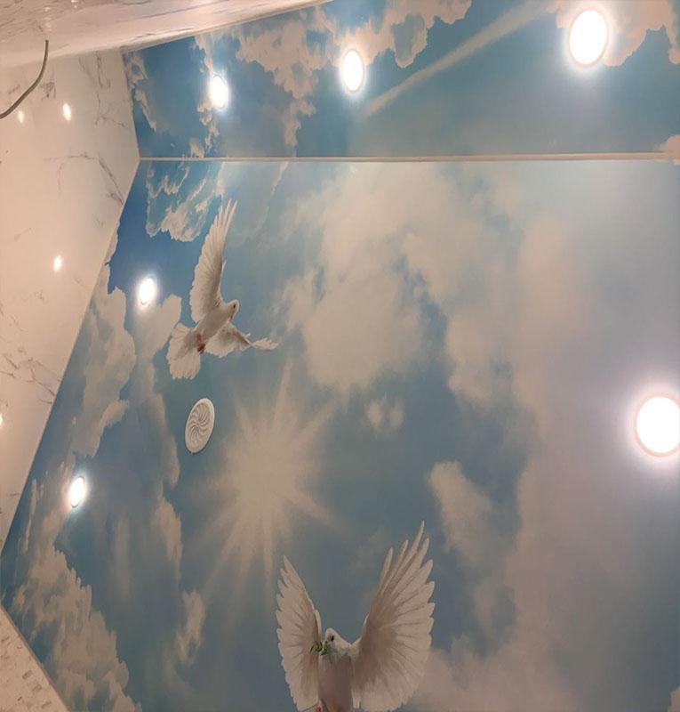 Фотопечать небо и облака на потолке
