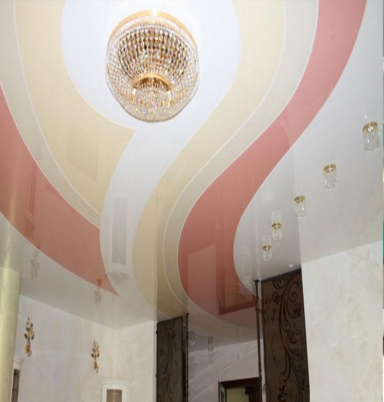комбинированные потолки в пастельном стиле