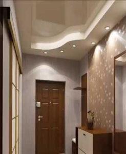 Коридор навесной потолок