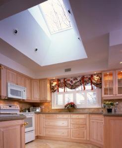 кухня потолок натяжной дизайн
