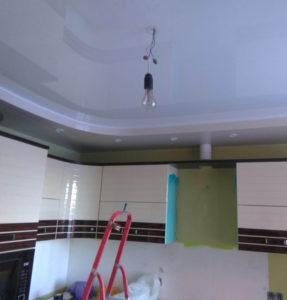 Кухня потолок