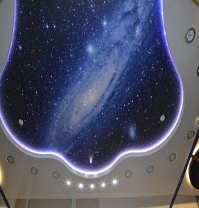 потолок галактика в комнате