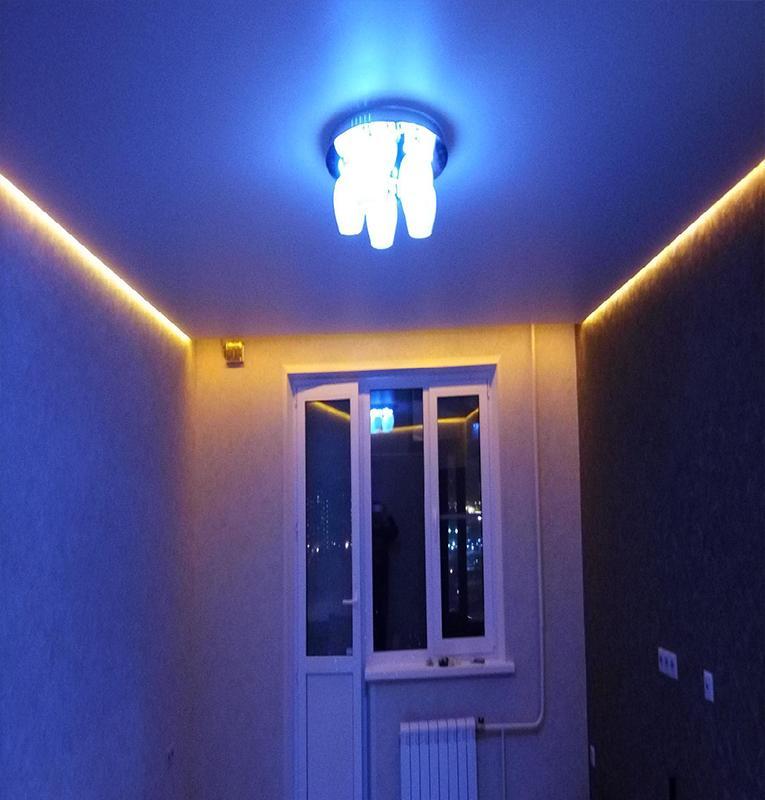 парящие потолки ночью освещение