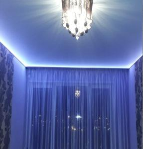 Подсветка голубой потолок