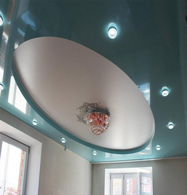 Студия бирюзовый потолок
