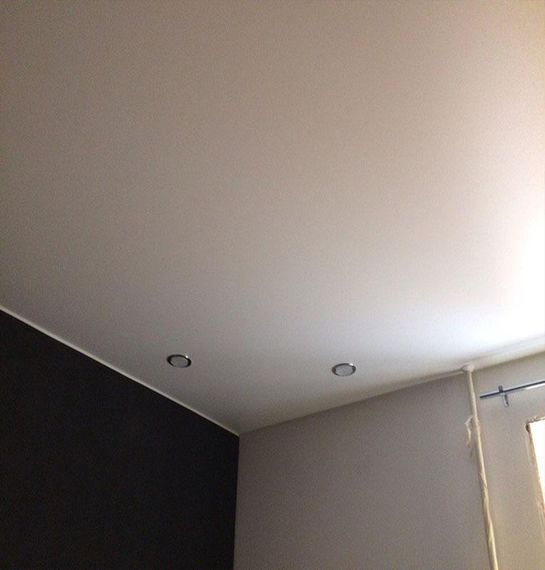 тканевые потолки со светильниками