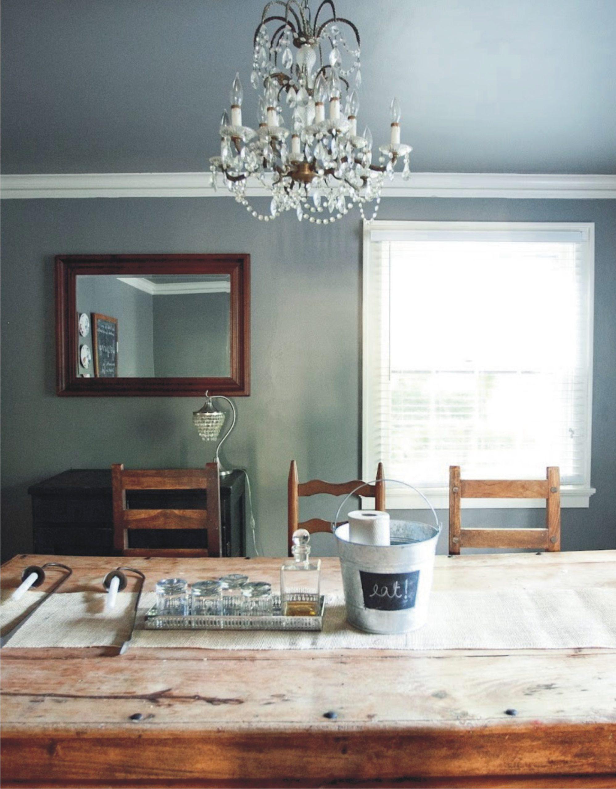 Цветной серый натяжной потолок в гостиную MSD Evolution