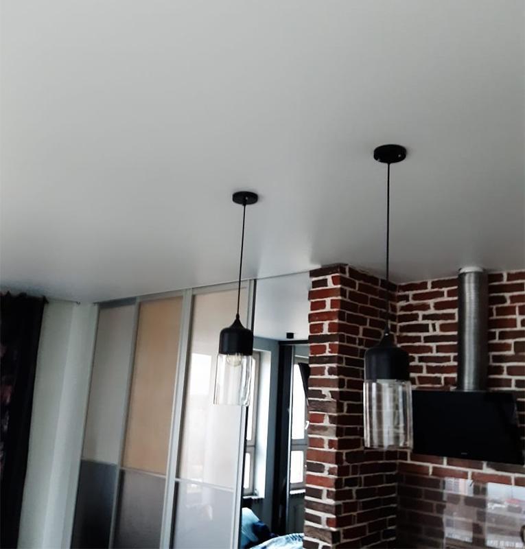 кухня лофт потолок