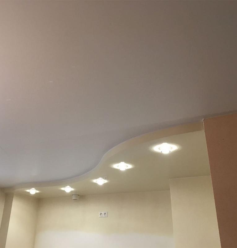 Кухня матовый потолок