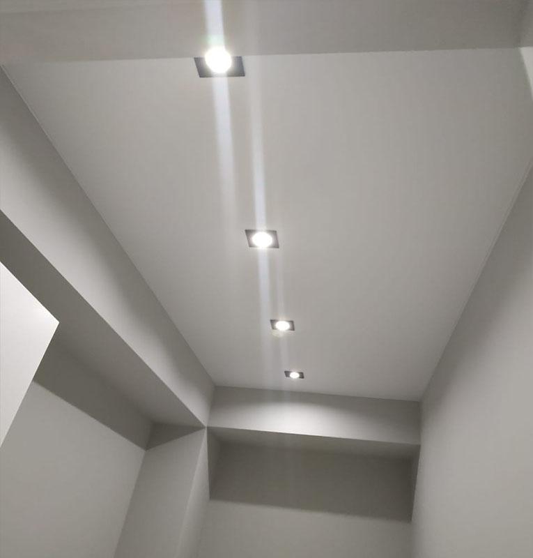 Матовые потолки подсветка