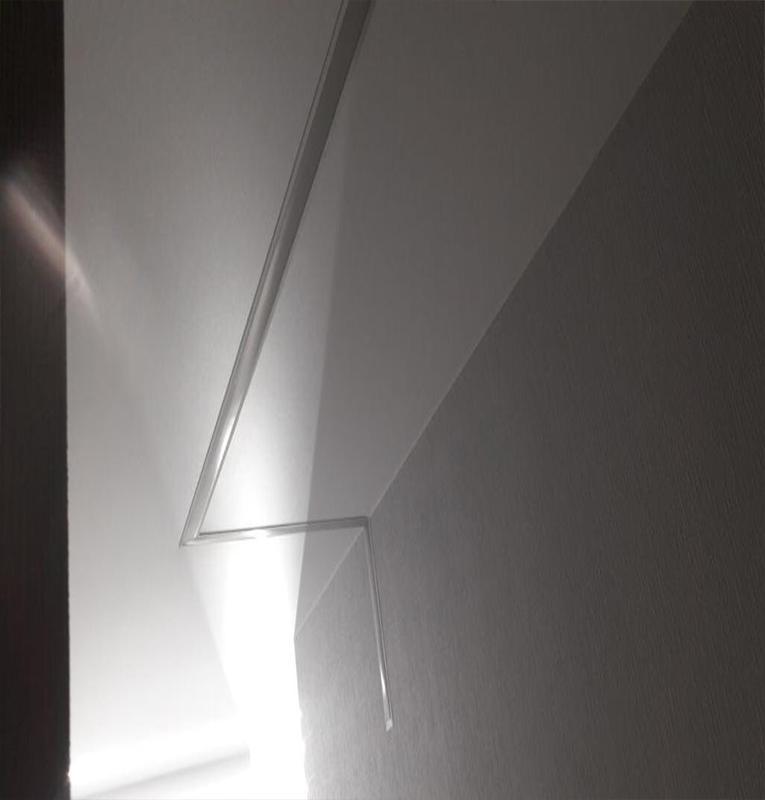 потолок со световыми линиями — наши работы
