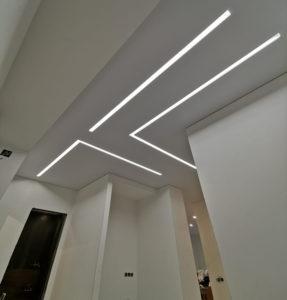 световые линии коридор