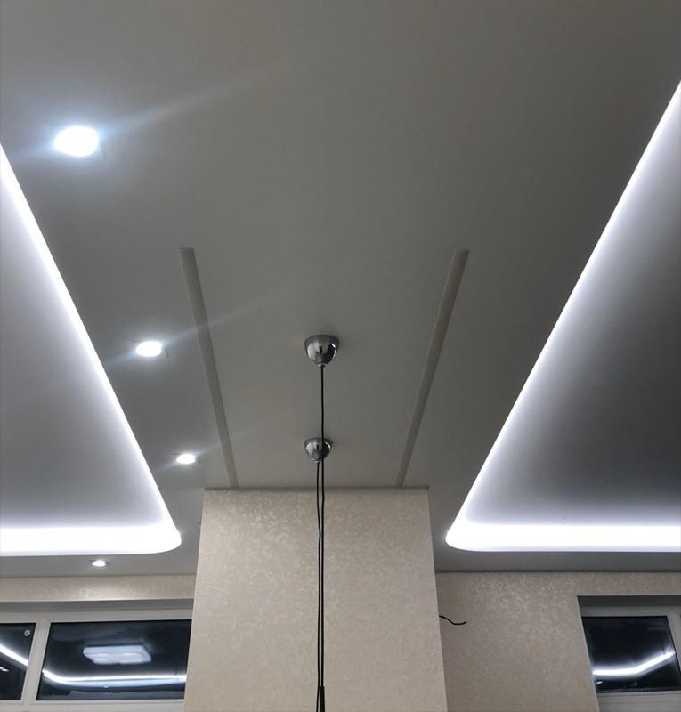 Наши работы световые линии потолки