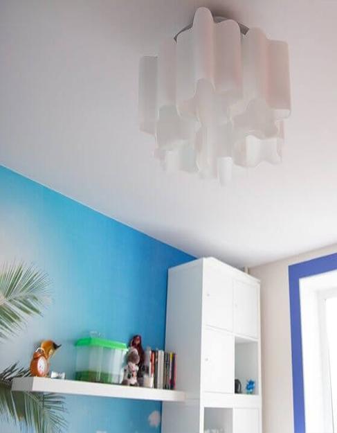 Тканевый белый натяжной потолок Cerruti в детскую