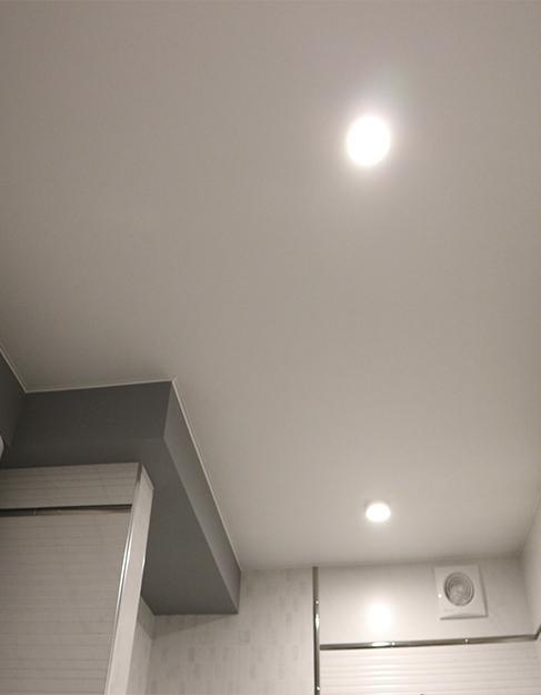 Тканевый белый натяжной потолок Ceilstar HEYTex в ванную